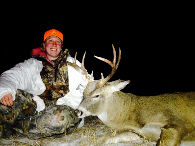 Amanda Button and her Beauty 2014 Buck