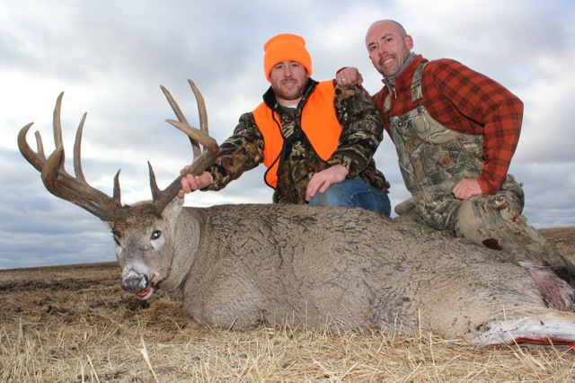 James Martinsen Buck 2014 with guide Jeremy Ford