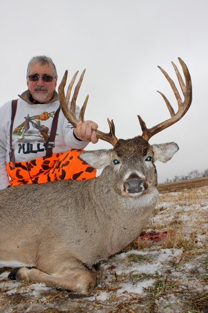 Great pic. Great Buck. Great guy!